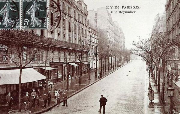 Paris XIX - Rue Meynadier http://t.co/TNVvl4qUpc