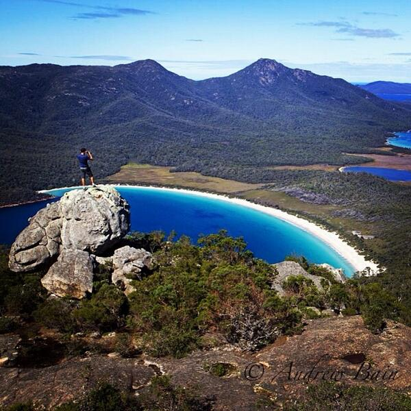 Spectacular view from #MtAmos in Freycinet National Park, #Tasmania. Thanks for sharing, @bainonbike! (via IG) http://t.co/QgE7Wun9z4