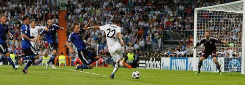 BVmjG FCQAEeVi4 Benzema back heel + Di Maria rabona + Ronaldo header = a sensational Real Madrid Golazo!