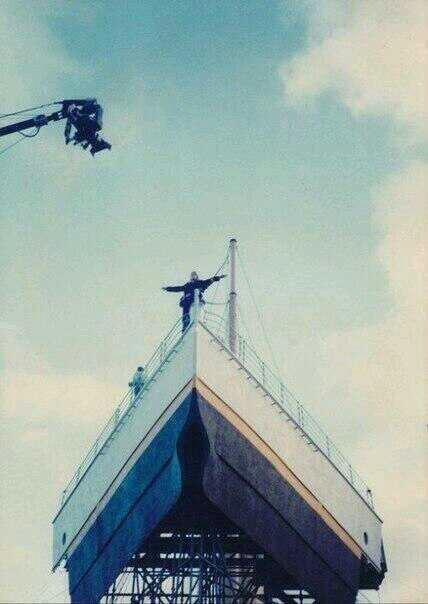 El rodaje de los momentos más emblemáticos de la historia del cine, 1997. http://t.co/4rXVhytQ7L