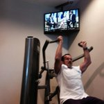 "Same happened to me! ""@D_arcyDixon: .@Schwarzenegger is on TV at the gym  http://t.co/kYv6Mj0YRU"" http://t.co/ncImzxsq8i"