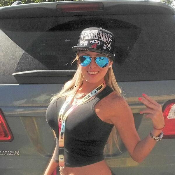 Deisy Cardenas (@deisy_cardenas1): #tucacas #party #beach http://t.co/eR77SW5Zqj