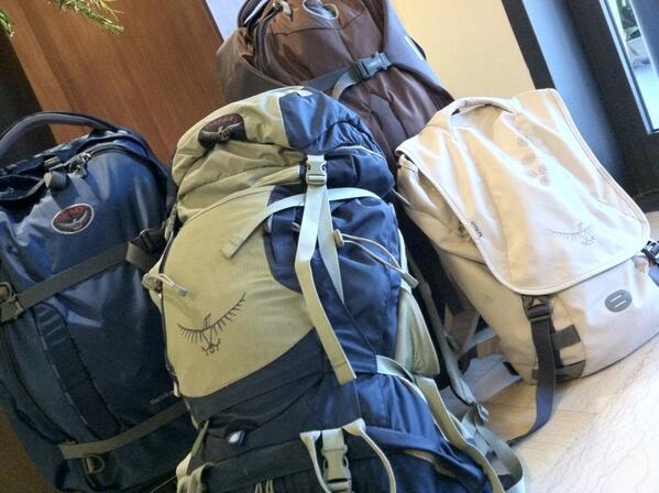 RT @CreativeTouchMT: 4 @ospreypacks in the lobby of the hotel. Travel writers think alike. #realtravel #TBDItaly http://t.co/VvPOvTlxFU