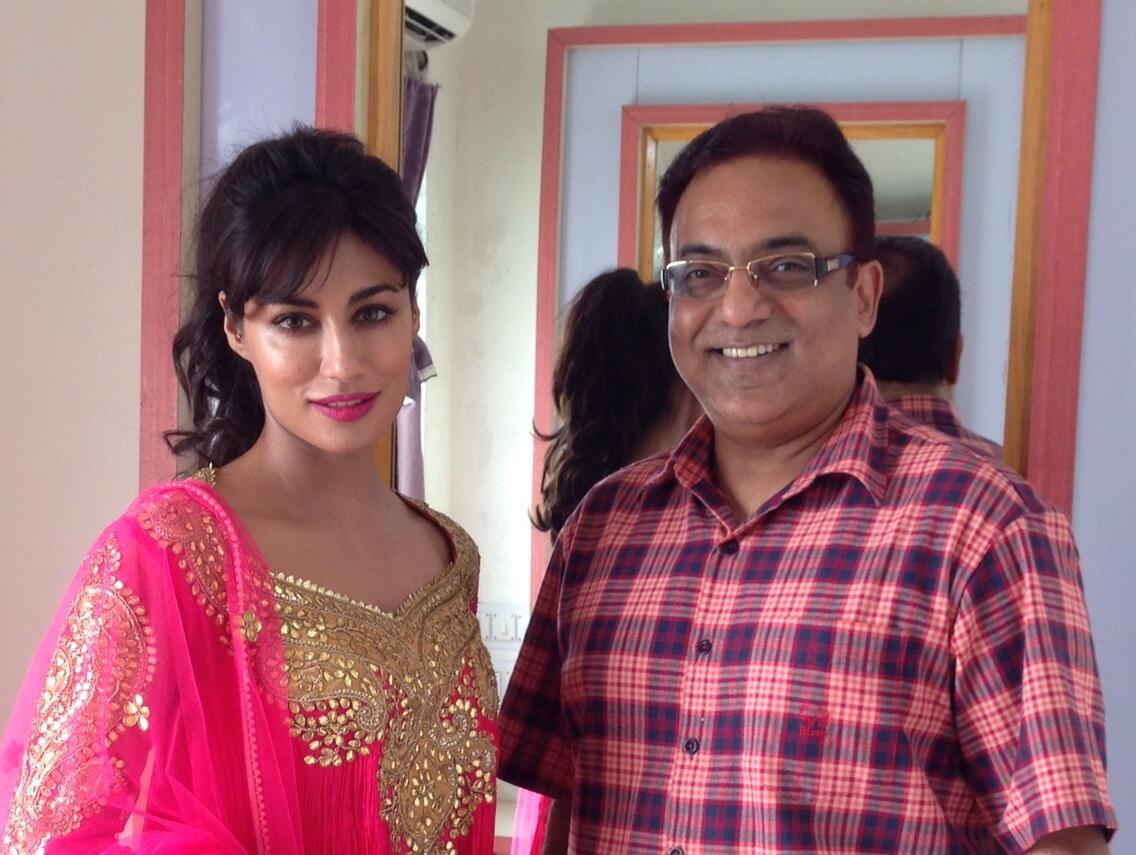 OMFG! @IChitrangda ❤️ RT @silarindam: My dream come true ... Meeting Chitrangada right now , right here ... :)) http://t.co/0jxIB1PAHe