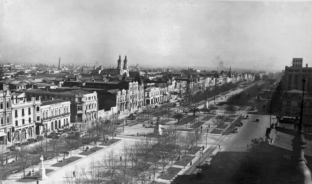 Panorámica Plaza Bulnes de Santiago, 1939. @IPerezTuesta @santiagoadicto @sebastian_gray @ramonllao @EnTerrenoChile http://t.co/eeeLfajIiq