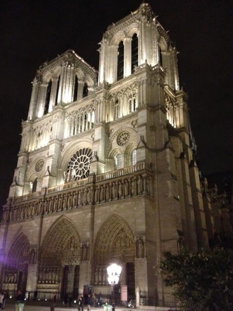 RT @Junichi_Masuda: I'm at Notre Dame!(Paris) 大好きなパリのノートルダム大聖堂なう!何時間でも見ていられるディテール!!すごい!!! http://t.co/gXMEHFOV0E