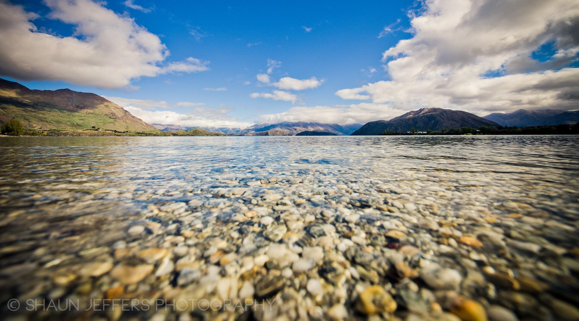 RT @shaun_jeffers: The @PureNewZealand lake water is just incredible... especially at @lakewanaka_nz http://t.co/iktk5YCZ1S