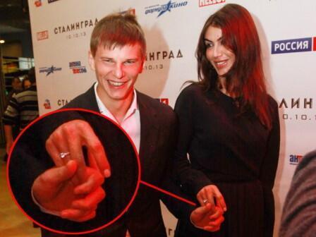 Андрей Аршавин собирается жениться на Алисе Казьминой – СМИ Андрей Аршавин успевает и троих детей у...