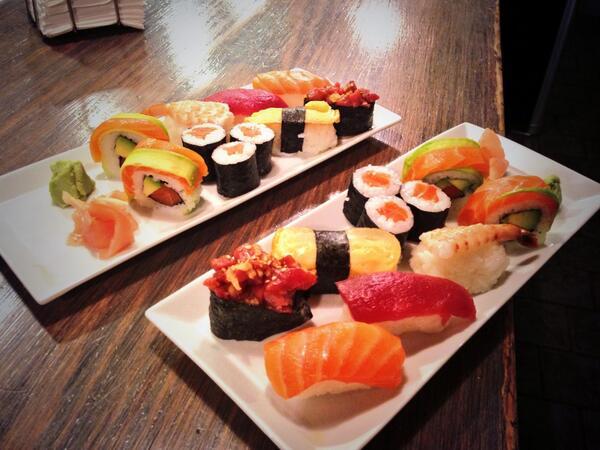 RT @genovacafebar: Este es el Sushi que ha preparado en directo Génova para @yelpsevilla http://t.co/ZkjMOB3Qt3