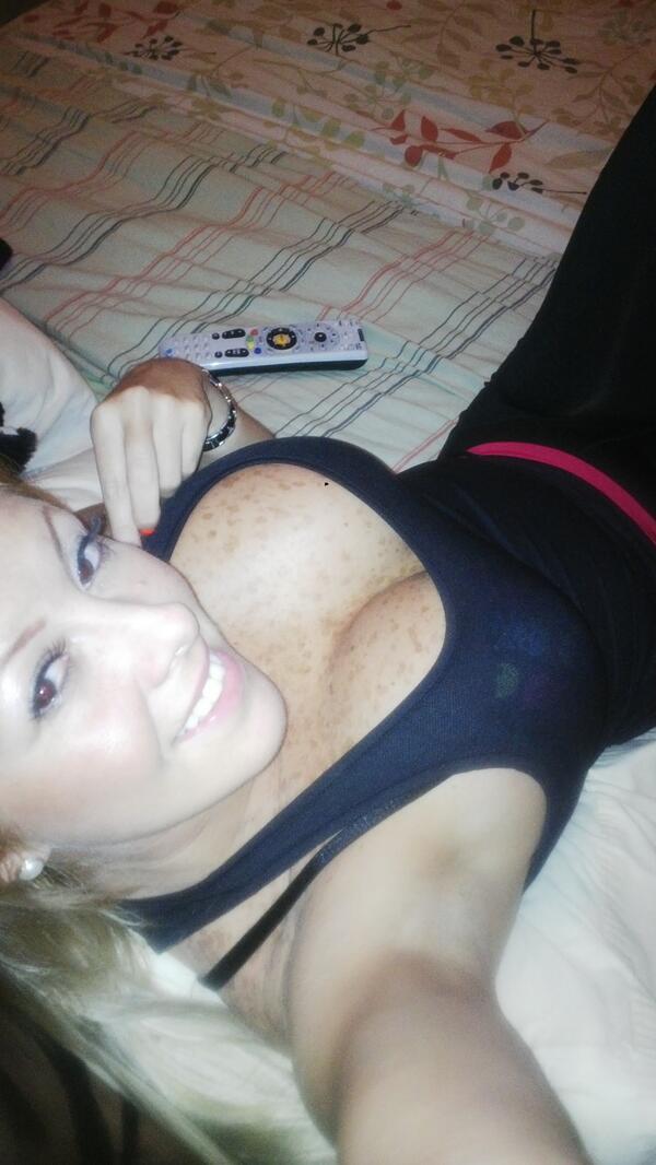 Deisy Cardenas (@deisy_cardenas1): Viendo el Miss Venezuela.... http://t.co/aJarjN4x5D