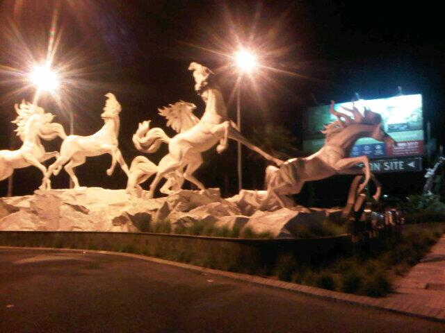 Mumpung lg ϑȋ̝̊ bali, nyobain memek import ah. http://t.co/R5tds4FwMR