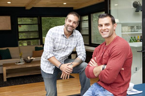 One hour until NEW #CousinsUndercover (8/7c)! #WatchandTweet w @CarrinoAnthony & @ColaneriJohn during the show. http://t.co/tU862nVVTF