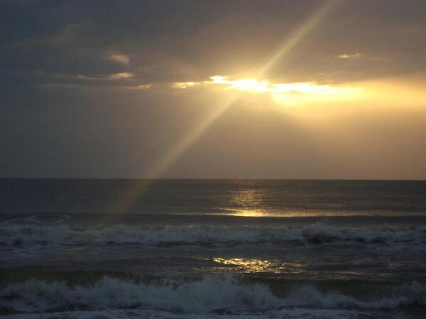 RT @adleon7: El atardecer este domingo desde Baja California Sur http://t.co/aQtRXWroh1