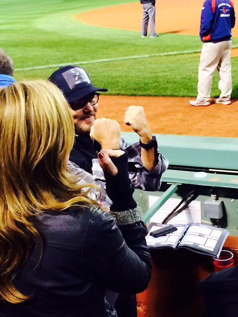 RT @MLB: Eddie Vedder is loving the drama at Fenway: http://t.co/dV9kCI18aC