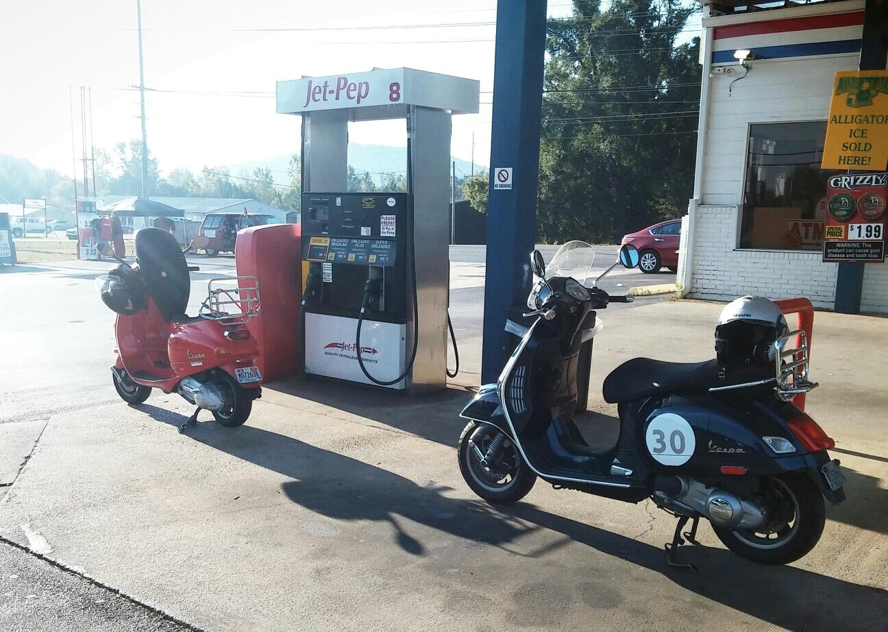RT @ynotbike: 250 mile ride Saturday to barbers vintage motorcycle festival on a vespa GTS and ET4 @VespaUSA http://t.co/OB1OJw3zCd