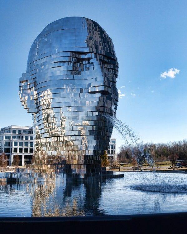 Metalmorphosis mirrored water fountain by Czech sculptor David Ern. http://t.co/MaaDZOHXxE