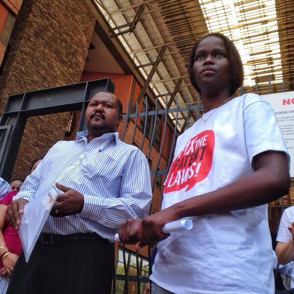 RT @FixPatentLaw: Phumeza Tisile a former drug-resistant TB patient, handed over the submission to a DTI rep #FixPatentLaw http://t.co/M1GcDgluRx