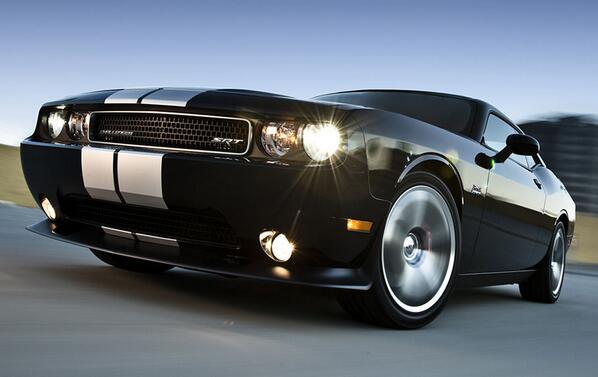 Justo lo que necesitas: un auto lleno de poder. http://t.co/PHu8jwZxL8 http://t.co/1O2wTZyLLM