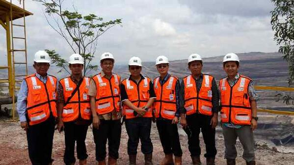 Kunjungan Kerja Kakanwil DJP Kalselteng ke lokasi pertambangan batu bara PT. Adaro Indonesia @DitjenPajakRI @mekars http://t.co/iqerg4znny