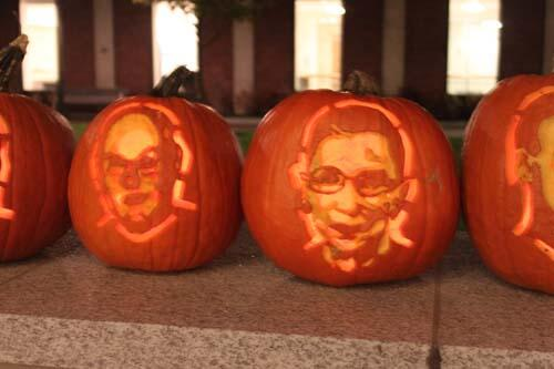9 Amazing Pumpkin Carvings Of Supreme Court Justices on @BuzzFeed: [http://t.co/outzg9YN9Z] #scotus #lawschool http://t.co/Q0CARHU3Dd