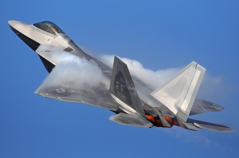 F-22A Raptor. http://t.co/ZJ2xDxDdB6