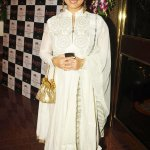 RT @moviezadda: @divyadutta25 at Society Young Achievers Awards http://t.co/aMSg7hL1qx