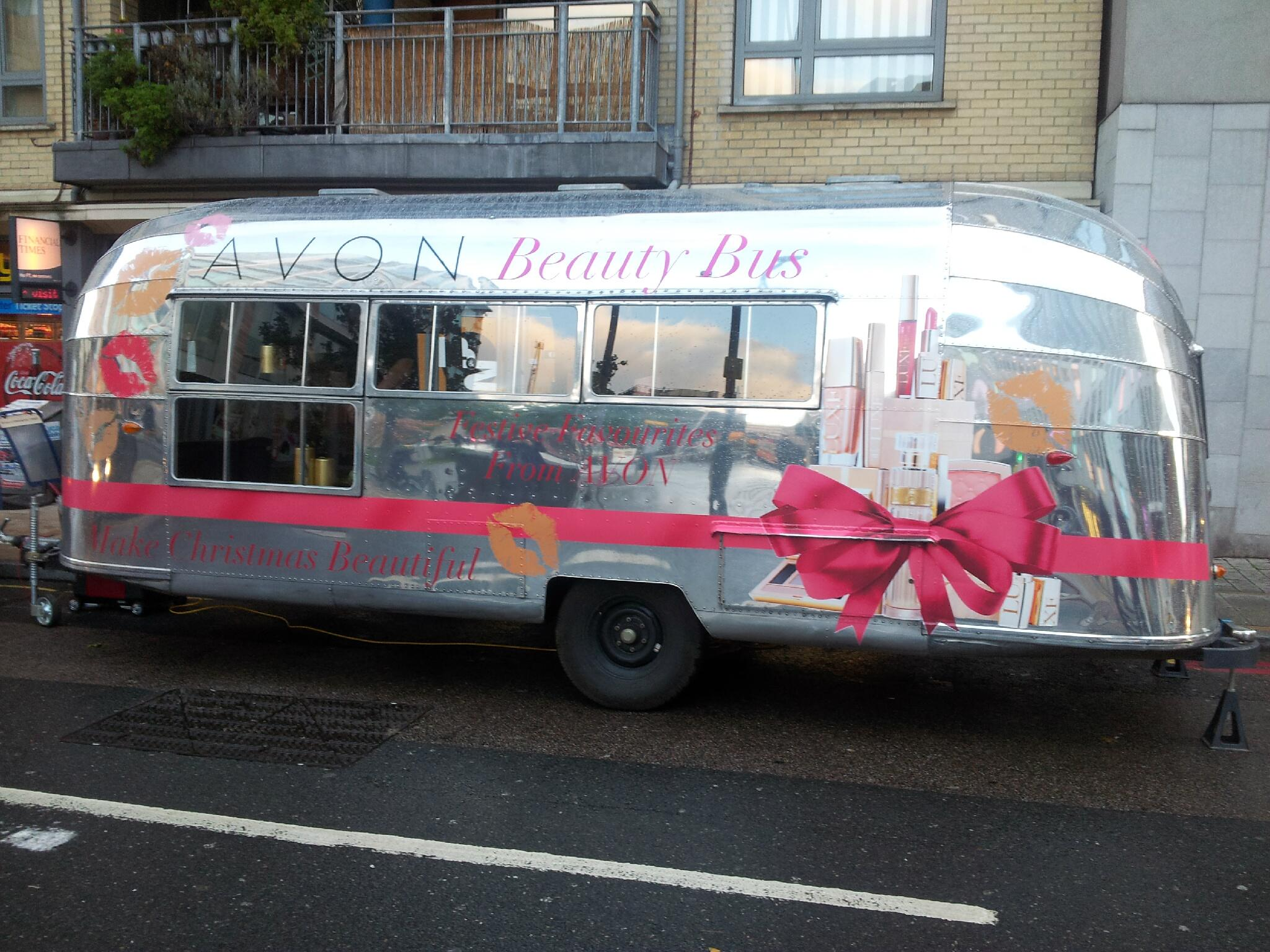 RT @AvonPRCalling: The PR Beauty Bus is ready for its first guests! @Avon_UK @halpernpr #AvonBeautyBus http://t.co/SFRTzDlWKB