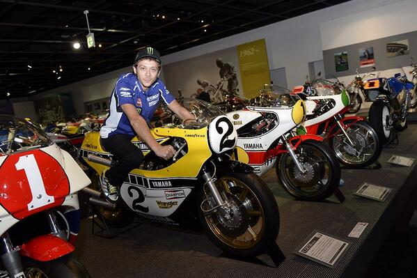 #MotoGP #Motegi - Nice photo via @ValeYellow46 who found a King Kenny Roberts' Yamaha in the Honda Collection Hall http://t.co/ZiBZVRmBy7