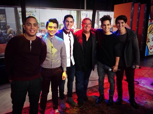 RT @elvisduran: Love @ItsMidnightRed. Perfect choice for my Artist of the Month on the @TODAYshow with @klgandhoda! http://t.co/P5v2hx4GnH