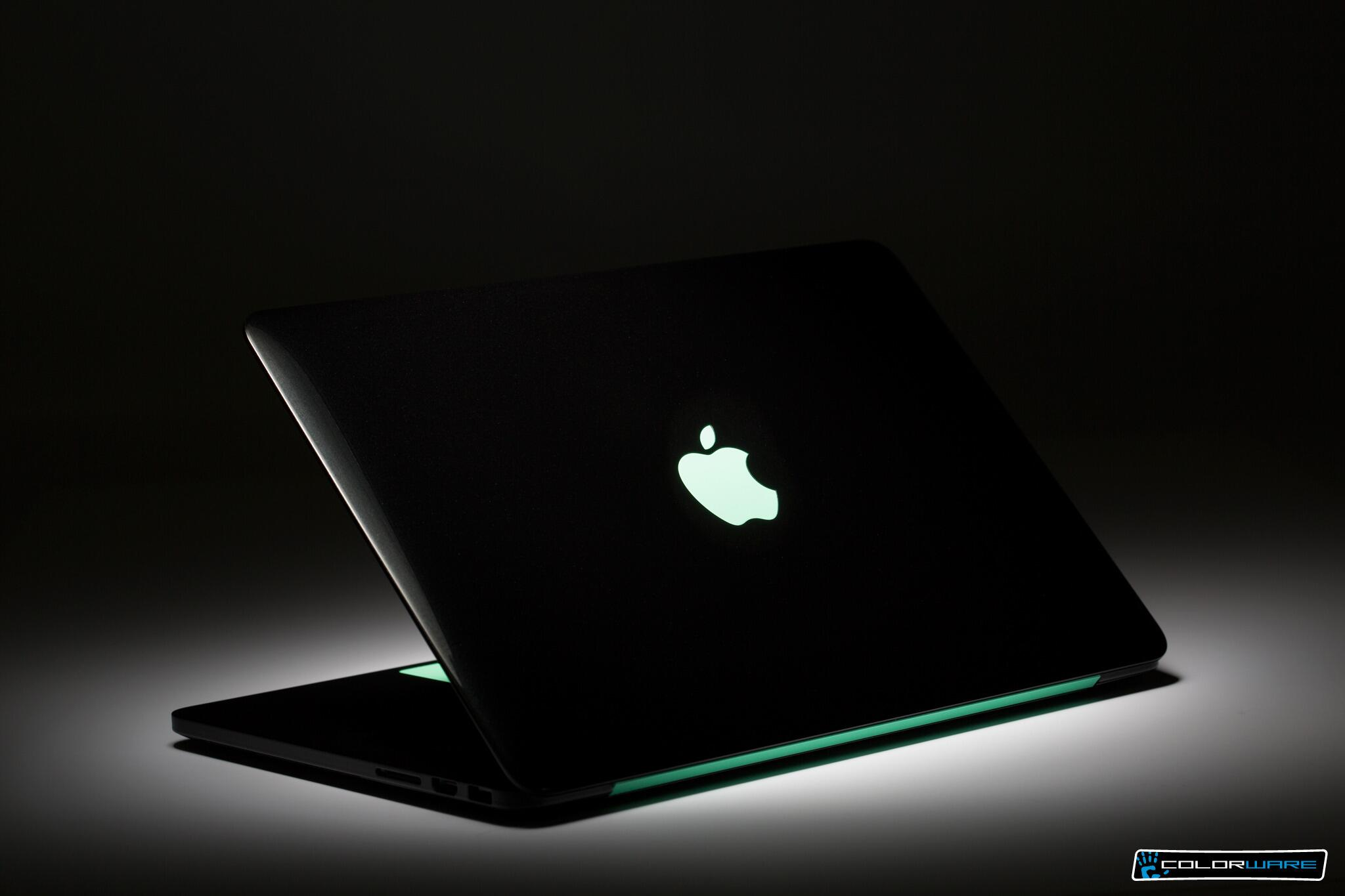 Do you like this Black #MacBookPro....Yes or No? #colorware http://t.co/iTb9wt75mL