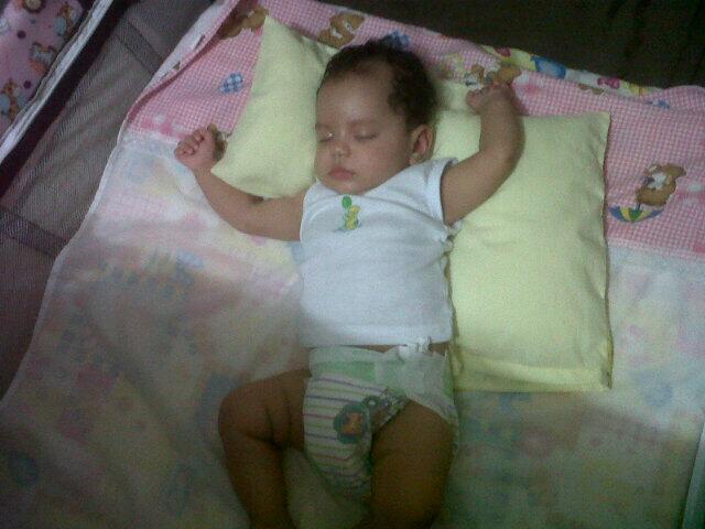Mi Hermanita Antonella Hermosa! Durmiendo Como Un Angelito! @MayiiMarrugo14 http://t.co/ifV1ldqRzP