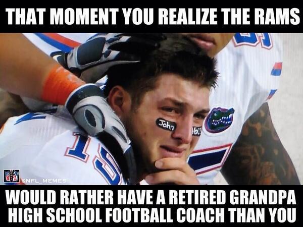 RT @NFL_Memes: Brett Favre > Tim Tebow http://t.co/bWzbYYCE5w