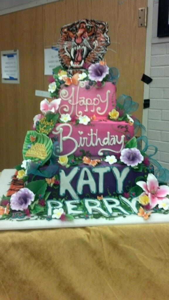 Lakewood Couldn T Let Katyperry Leave Without A Birthday Cake Wishing You The Happiest Bday Katy