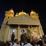 RT @EsMaracaibo: ♫De las escalinatas se divisa / Una china tan mestiza que es la aurora de mi lar♫ http://t.co/K9zlRKL1Z8 #Bajada2014