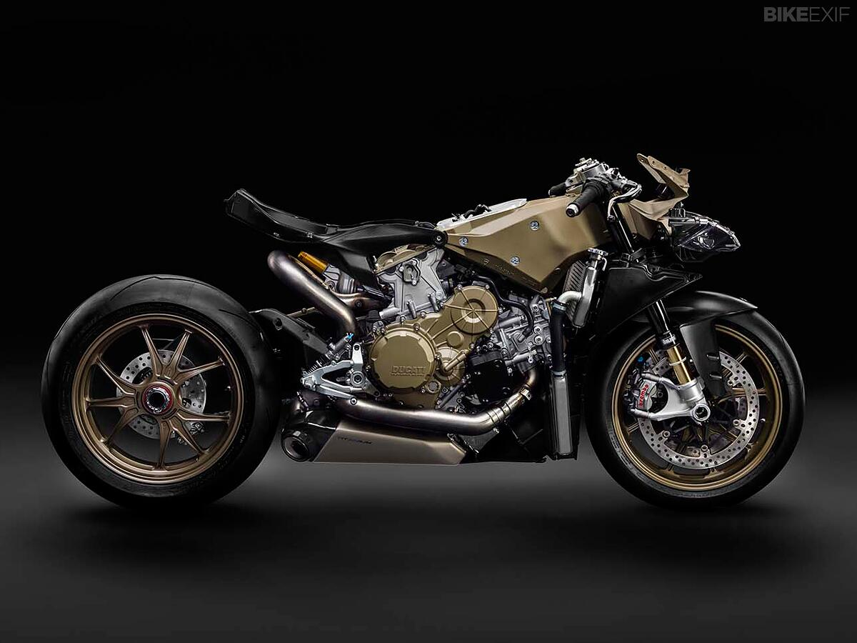 The motorcycle as art: behold the Ducati 1199 Superleggera, stripped of its bodywork. http://t.co/WHN15Y5sIz