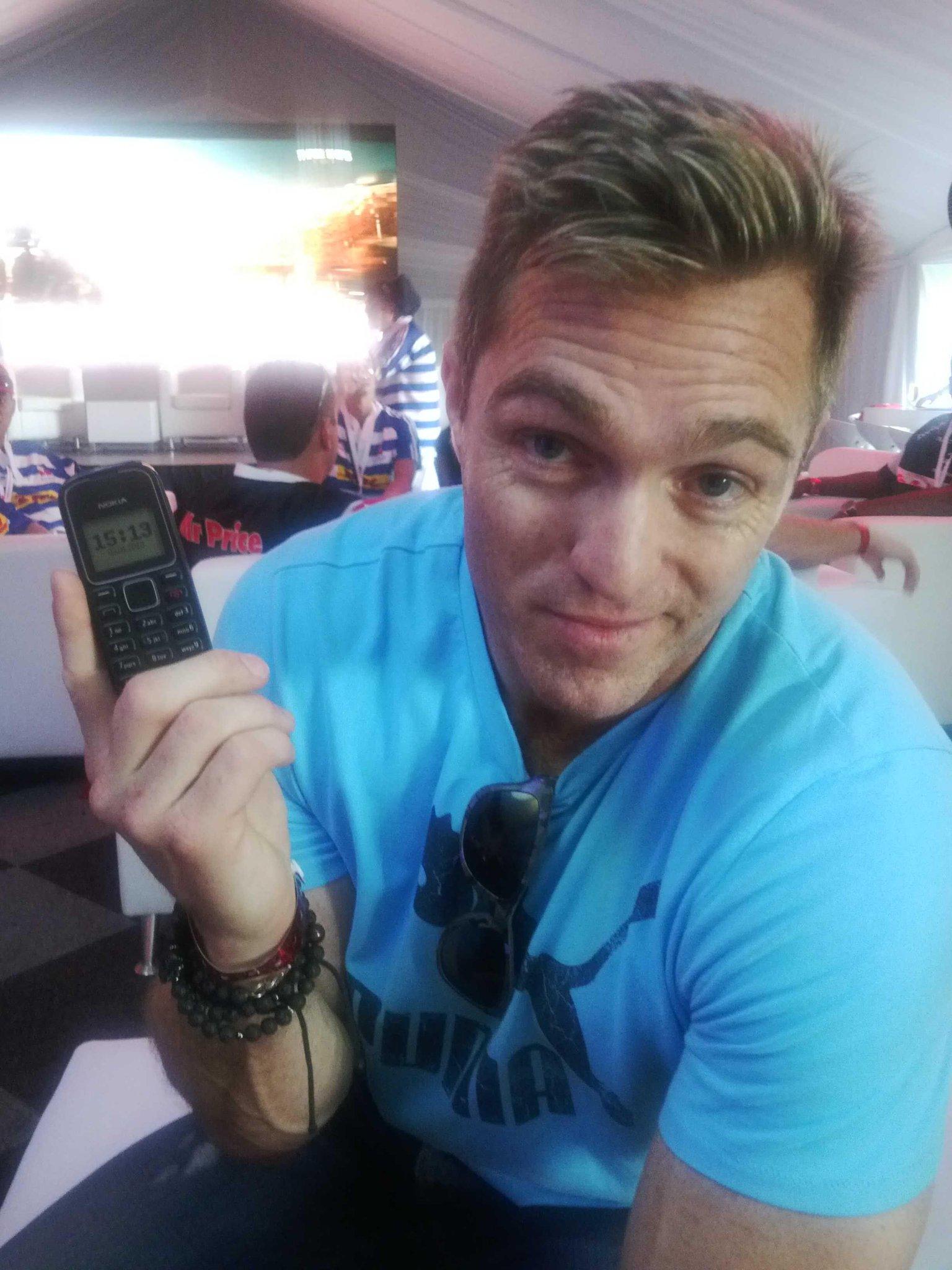 RT @dannicholl: The techno-savvy @Monty15Monty with his new smart 'phone. @BobSkinstad @JohnSmit123 @toksvdl http://t.co/G188ce5wdj