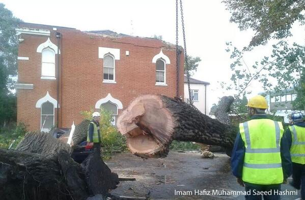 Memorial Hall of UK's oldest purpose-built mosque - Woking's Shah Jahan Mosque - damaged by #UKstorm http://t.co/xop66ZyiBp