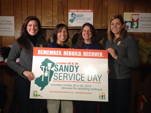 Jersey Cares (@JerseyCares): Getting #SANDYSERVICEDAY off to a great start in seaside park! #bethechange http://t.co/yF8OrmXTMt