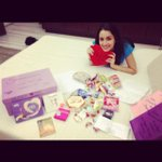 Aaj dakiya ye laya aur woh bhi Germany se!! Gifts from loving fans.. Love you guys SO much!! @TeamShraddhaK http://t.co/qJYFVnLuyY