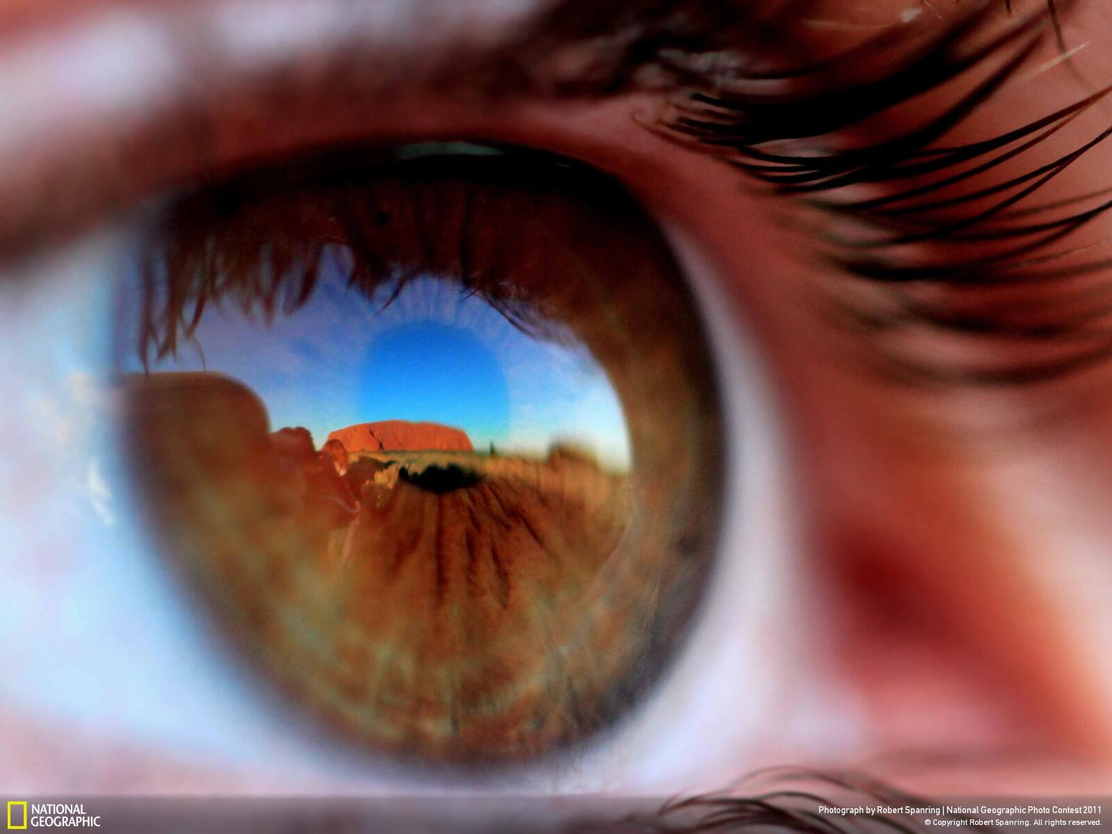 Traveller Sees Australia's Uluru (Ayers Rock) for the First Time http://t.co/82YnaW72e1