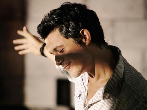 El cantante @AlejandroSanz regresa con un disco en directo,  #lamusicanosetocaenvivo:  http://t.co/aSVmhdqll4 http://t.co/t8lqcwQH2e