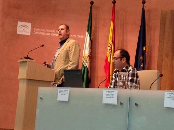 @molinafacio @carlosmartiber Valora en #InnovacionInfancia @EASPsalud @CDOIA con emoción y maestría http://t.co/gxvo0BuIld