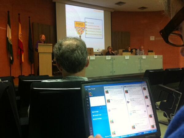 Base de operaciones del @CDOIA tuiteando la Jornada de #InnovaciónInfancia http://t.co/v4l7ow3dGn http://t.co/f0oRFmdvtq