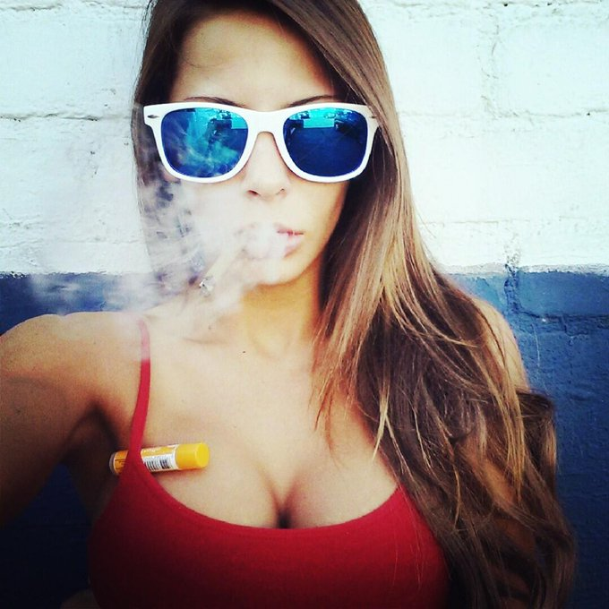 #BluntTime #selfie... get lifted :) http://t.co/xpmgZUcQe3