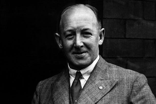 #OnThisDay 1888 | Ex-Manager United, Scott Duncan lahir di Dumbarton, Skotlandia http://t.co/74Rx3stXUd