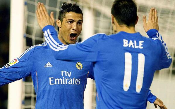 Ronaldo happy with the service after scoring twice in Real Madrid's 2-3 win over Rayo Vallecano http://t.co/nI98avxZz9