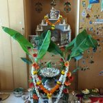 Pooja at home with the entire family. .feel so blessed. http://t.co/rScJPEvjNH