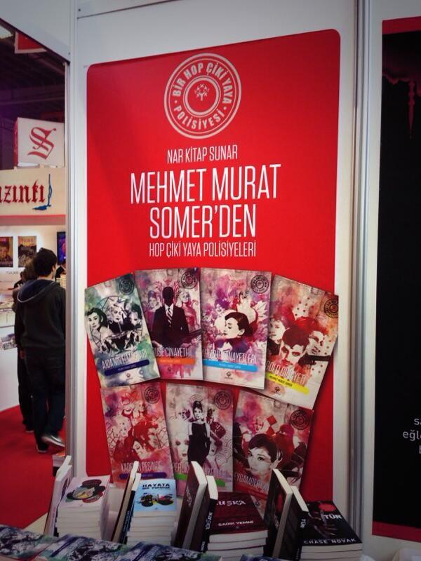 Istanbul transvestite detective novel