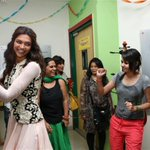 And then in walked the gorgeous @deepikapadukone doing the garba with our Mirchi team! #RamLeela http://t.co/U6oDaObedN