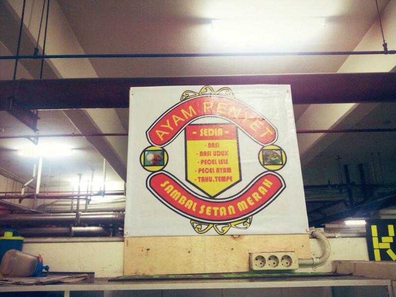 Ternyata udah ada sponsor lokal Indo juga ! Mangcabs gan ! #ngatjir http://t.co/Caej3wrVFa